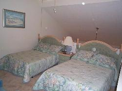 Guest Room - 2 Full Beds